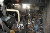 Zásah hasičů u požáru v kotelně zámku ve Střílkách.