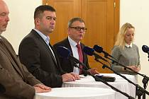 Ministři ČSSD Jan Hamáček, Lubomír Zaorálek, Miroslav Toman v Kroměříži.