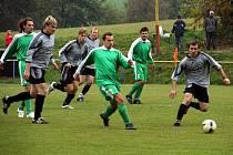 V souboji dvou nejlepších týmů zvítězily Střílky nad rezervou Lubné (v zeleném).