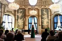 Koncert dvou nadějných mladých umělkyň, sopranistky Kristýny Vylíčilové a flétnistky Petry Bradáčové, si mohli návštěvníci bystřického zámku poslechnout v pátek, a to v rámci Bystřických zámeckých slavností.