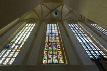 Kostel svatého Mořice obdrží dotaci více jak půl milionu na restaurování vitrážového okna.