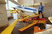Výstava hobby modelů na zámku v Holešově.