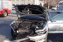Ke zranění jednoho z účastníků a poškození tří vozidel došlo při ranní nehodě v Litenčicích.