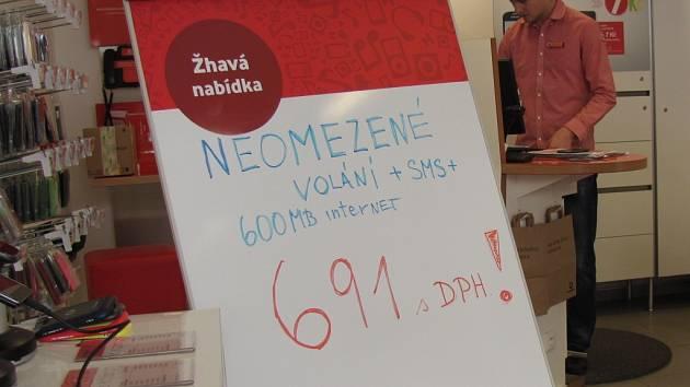 Nové tarify přilákaly do prodejen zákazníky telefonních operátorů i na Kroměřížsku.