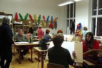 Výtvarný ateliér pro veřejnost pořádá Sdružení přátel výtvarného umění Kroměřížska dvakrát za měsíc v prostorách Střední pedagogické školy v Kroměříži.