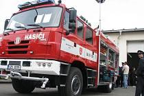 Dobrovolní hasiči z Kvasic si převzali slavnostně v sobotu 25. září 2010 nové auto, které jim posvětila dvojice tamních kněží. Přijel také hejtman Zlínského kraje Stanislav Mišák.