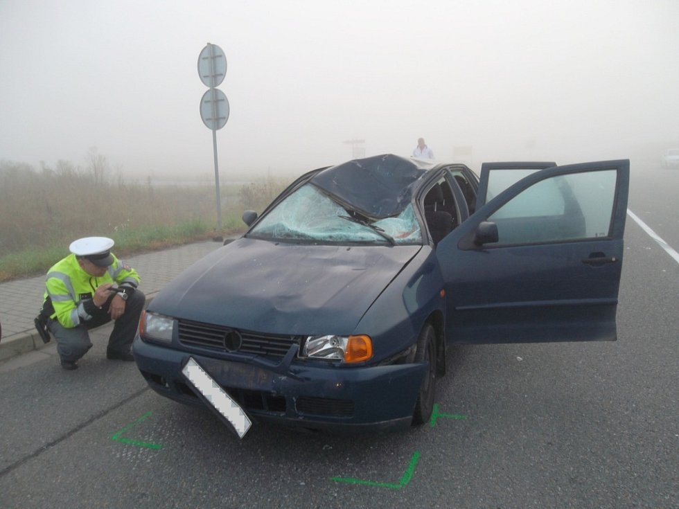 Při střetu s osobním autem zemřel v neděli nad ránem mezi Třeběticemi a Hulín pětapadesátiletý cyklista.