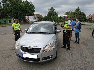 Kontroly u ani jednoho řidiče alkohol neprokázali. Dárky, které obdrželi je mile překvapili.