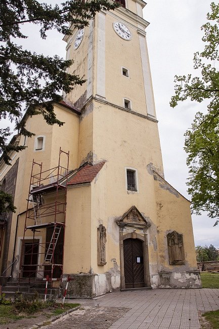 Kostele sv. Václava v Hulíně - oprava a nález pokladu