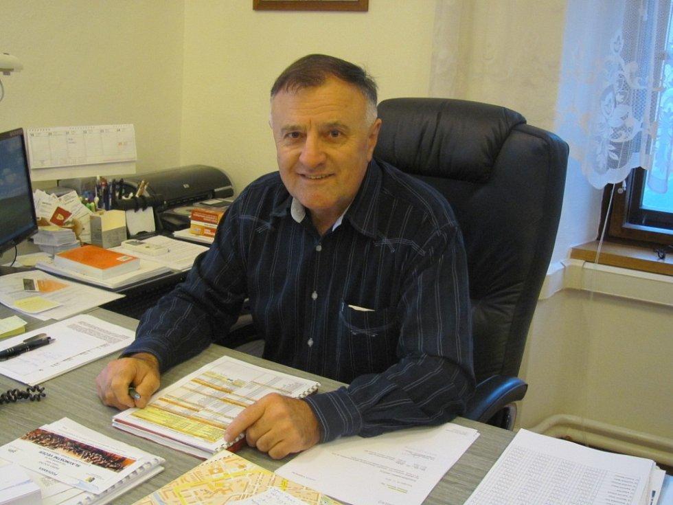 Na fotografii ředitel kroměřížských strážníků Miloslav Skřebský.