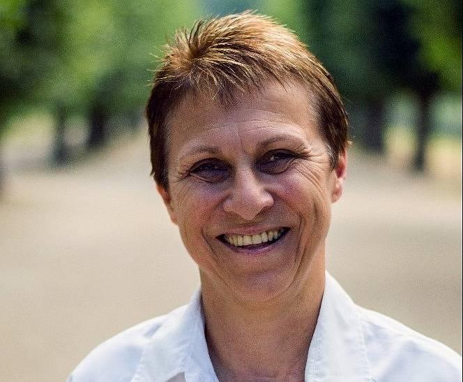 Svatava Ságnerová z Holešova, středoškolská učitelka tělocviku a prezidentka Asociace školních sportovních klubů (AŠSK).
