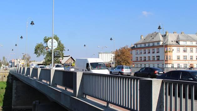 Most z roku 1954 se podle Ředitelství silnic a dálnic nachází v dobrém technickém stavu.