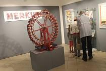 Muzeum Kroměřížska vystavuje Fenomén Merkur. Zájemci uvidí třeba i interaktivní vláček a další stroje. Součástí jsou i historické výrobky.