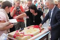 Na Velkém náměstí v Kroměříži se v úterý 19. září 2012 uskutečnily oslavy dvacátého výročí od založení Mateřské a Základní školy Speciální Kroměříž. Děti z tamní školy zahrály divadelní představení o Šípkové Růžence.