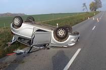 Mezi Věžkami a Zlobicemi havaroval ve středu 10. listopadu řidič osobního auta Huyndai, z nehody vyvázl se štěstím bez zranění.