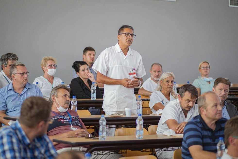 Setkání hejtmana Jiřího Čunka se starosty obcí a měst okresu Kroměříž proběhlo 31. srpna v prostorách Střední zdravotnické školy v Kroměříži.