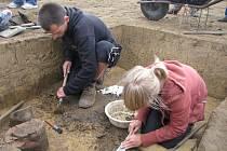 Archeologické vykopávky u Hulína.