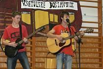 Asi třicet mladých zpěváků se v sobotu představilo před hvězdnou porotou v Holešově a bojovalo o postup z oblastního kola.