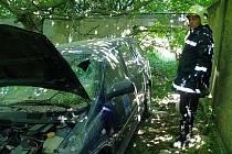 Řidička se s autem zastavila až ve dvoře usedlosti