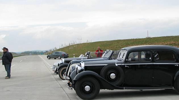 Slavnostní otevření úseku dálnice D1 u Kroměříže