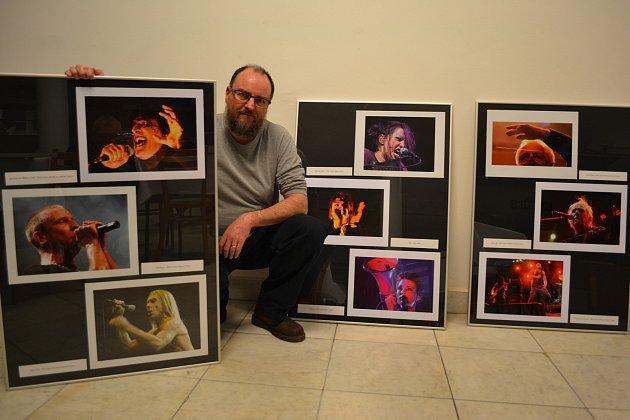 Fotoreportér Deníku Jiří Janda vystavuje na přelomu ledna a února své snímky ve foyer Domu kultury v Kroměříži.