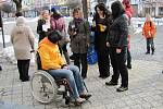 V Bystřici pod Hostýnem zkoušeli, jak jsou veřejné instituce přístupné invalidním občanům.