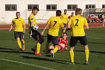 Fotbalisté Kroměříže zvítězili v Hodoníně brankou střídajícího Moravce 1:0.