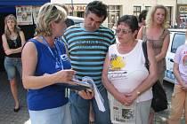 Setkání obyvatel Bystřice pod Hostýnem se zástupci Kroměřížského deníku se v pátek odpoledne vydařilo, i díky nádhernému počasí.