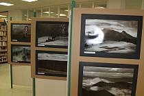 Výstava fotografií zaměřených na životní prostředí pod názvem ČSOP se konala v kroměřížské knihovně v Kroměříži.