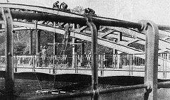 Zachycené podminování kroměřížského železničního mostu v padesátých letech německými jednotkami.