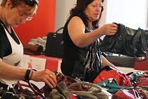 V rámci jednoho z work shopů Top Módy 2016 byl i kabelkový veletrh. Koupě kabelky putuje pro organizaci Naděje Otrokovice: vybralo se více jak čtyřiadvacet tisíc korun.