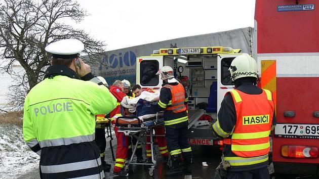 U Zdounek došlo v úterý 17. ledna 2012 k vážné dopravní nehodě.
