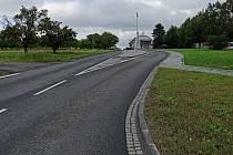 Nově opraveného dvoukilometrového úseku silnice si mohou užívat řidiči v Loukově na Kroměřížsku. Stavba za 72 milionů korun trvala dva roky, tamní lidé i přespolní motoristé se dočkali koncem července.