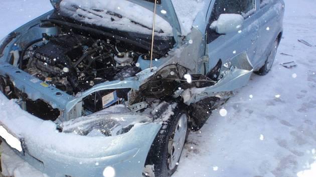 Dopravní nehoda dvou osobních vozidel u Morkovic