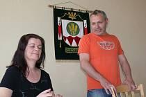 Ve Skašticích se sešli 29. 4. 2008 zástupci obce s obyvateli nad projektem zaměřeným na výsadbu zeleně v obci, jehož manažerkou je Zlata Maděřičová.