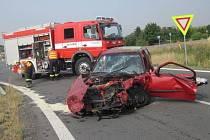 Vrtulník musel v pátek 14. srpna ráno transportovat do nemocnice řidičku auta, které havarovalo nedaleko Holešova. Z vozu ji předtím museli vyprostit hasiči.