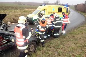 Pět lidí se zranilo při dopravní nehodě u Ratají v sobotu 18. ledna.