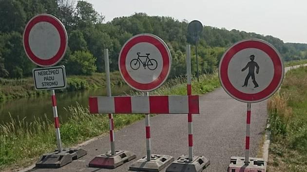 Cyklostezka z Kroměříže do Kvasic bude uzavřená asi týden.