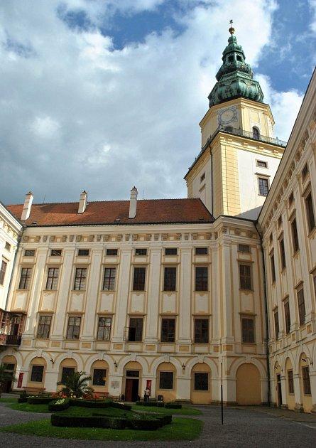 Arcibiskupský zámek vKroměříži, který je společně spřilehlými zahradami zařazen na seznam památek UNESCO.