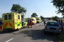 Střet s motorkou v neděli 19. července nedaleko Bystřice pod Hostýnem nepřežila sedmdesátiletá žena. Motocykl zůstal v příkopu, jeho řidič a spolujezdkyně skončili v nemocnici.