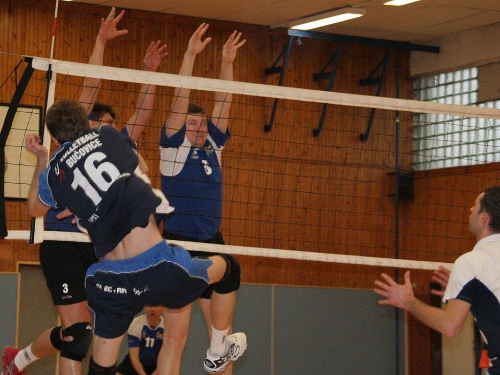 Volejbalisté SKP Holešov se přiblízili sestupovým příčkám.