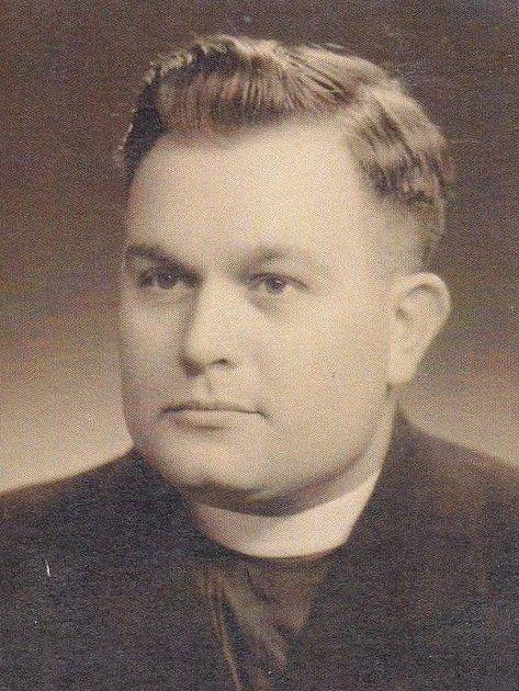 Páter František Alex získal titul Čestný občan města Holešova za dlouholetý přínos pro rozvoj společenského a kulturního dění ve městě.