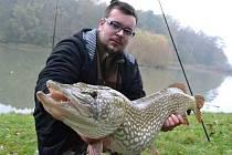 Dvaadvacetiletý Tomáš Naď z Kroměříže ve volném čase rád chodí na ryby, momentálně se ale bohužel potýká s vážnou nemocí.