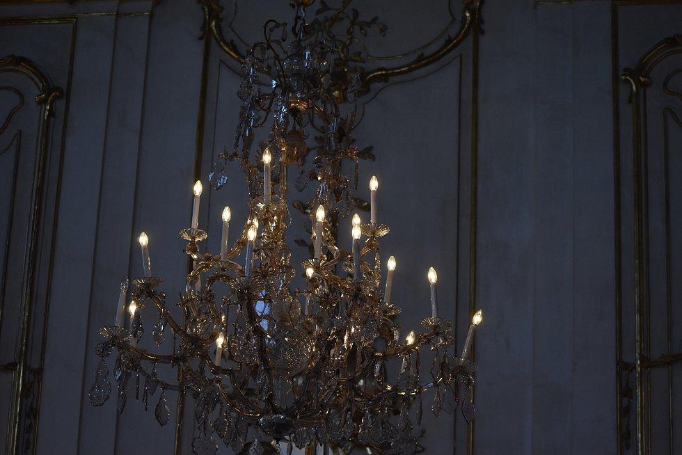 Podepsání zakládací listiny Asociace nestátních otevřených památek (ANOPA) - hradů, zámků, technických památek, muzeí nebo zahrad v Arcibiskupském paláci v Kroměříži