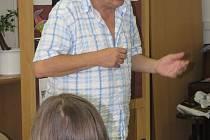Knihovnu v Kroměříži navštívil 4. 6. 2008 Josef Alois Náhlovský, aby dětem přečetl úryvek z knížky Miloslava Švandrlíka.