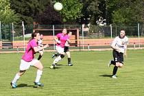 Foto z fotbalového zápasu MSLŽ Nové Sady - Holešovské holky 1:1.