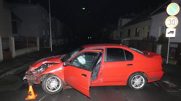 Necelou hodinu před sobotní půlnocí byli 18. února dopravní policisté vysláni k nehodě, která se stala v Čelakovského ulici v Kroměříži.