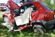 Řidičku osobáku museli hasiči z vraku vyprostit