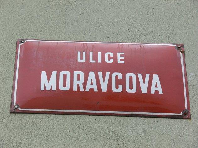 Místem sobotní násilné vraždy ženy byla Moravcova ulice v Kroměříži.
