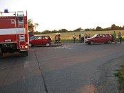 V křižovatce na Třebětice došlo k velmi vážné dopravní nehodě tří osobních aut.